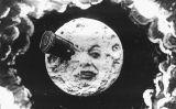La Lluna rep un coet a l'ull